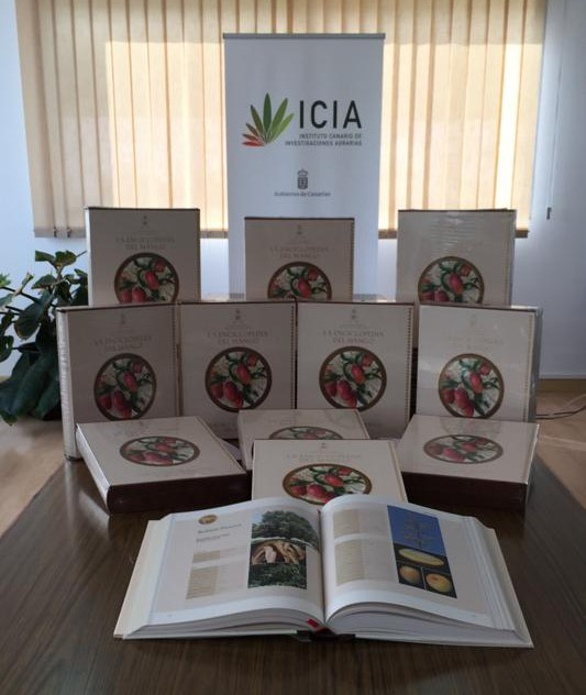 El Sultanato de Omán entrega al ICIA la primeraenciclopediauniversal delmango