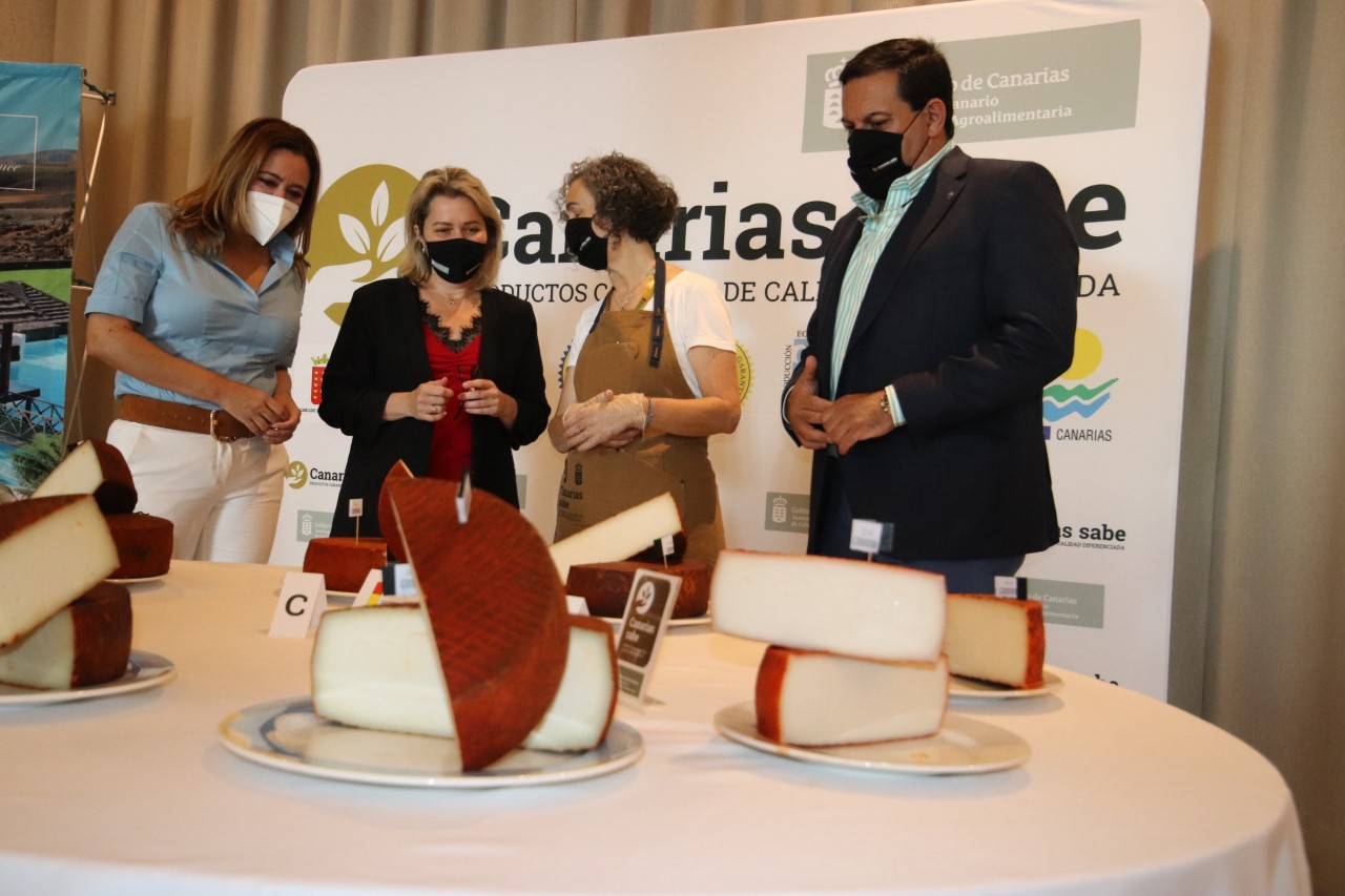 Agrocanarias reúne 181 muestras de queso que compiten por convertirse en la mejor producción de las islas