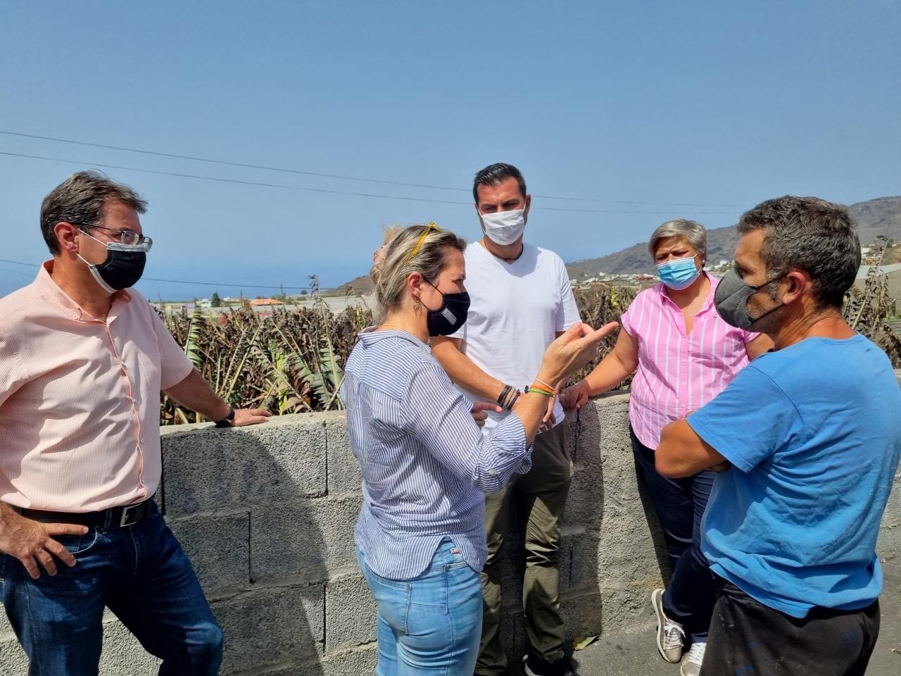 Vanoostende visita las zonas agrícolas afectadas por el incendio y el temporal de viento
