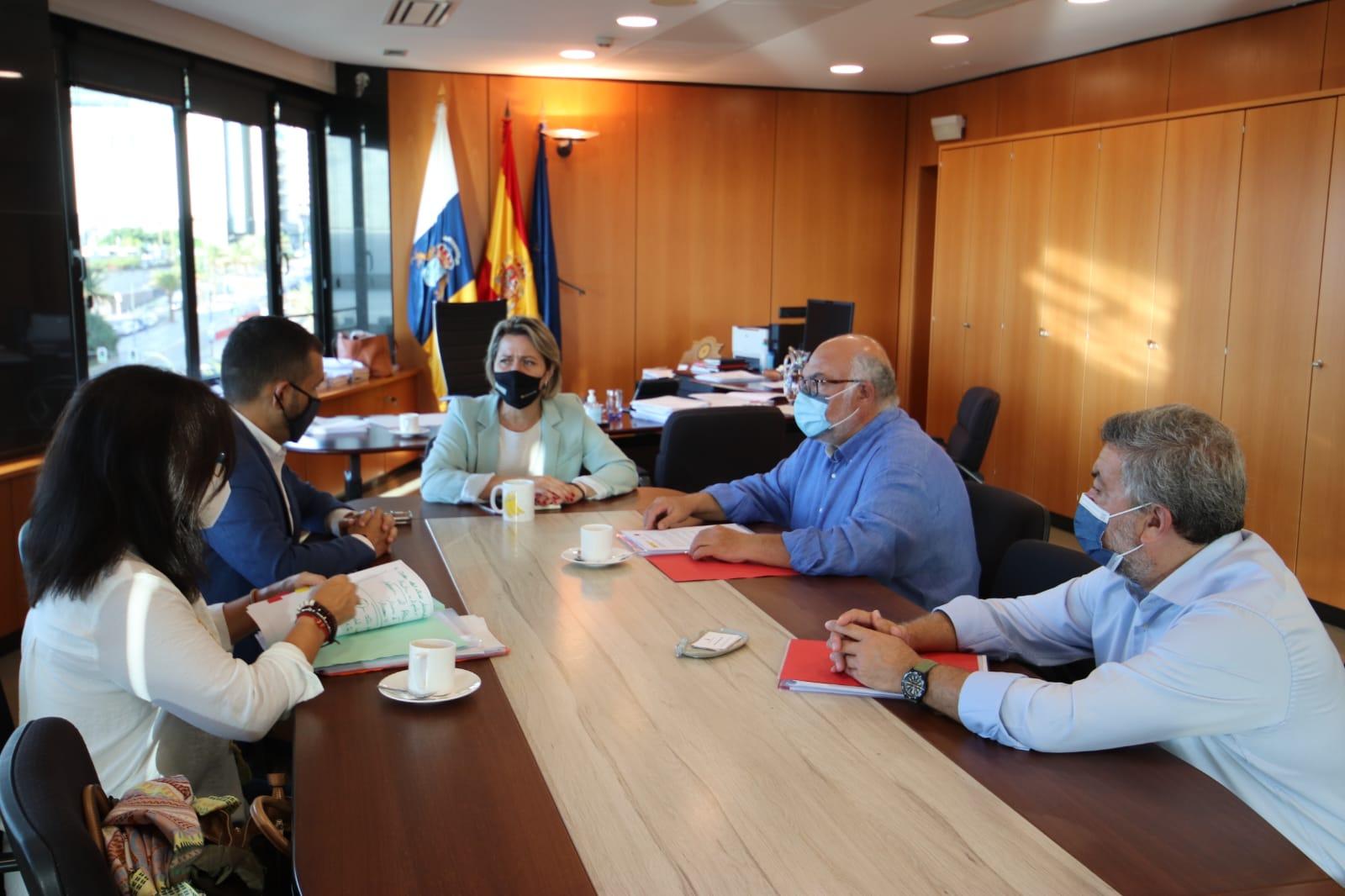 Gobierno de Canarias y SEIASA coordinan el desarrollo de cinco obras de regadío por importe de 18,6 millones